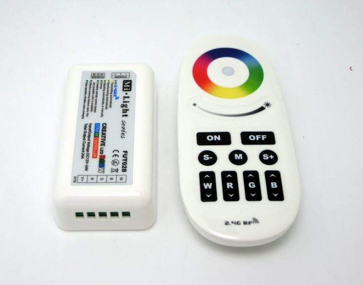 2.4G_LED_Wireless_synchronization_controller_creative_rgbw_control