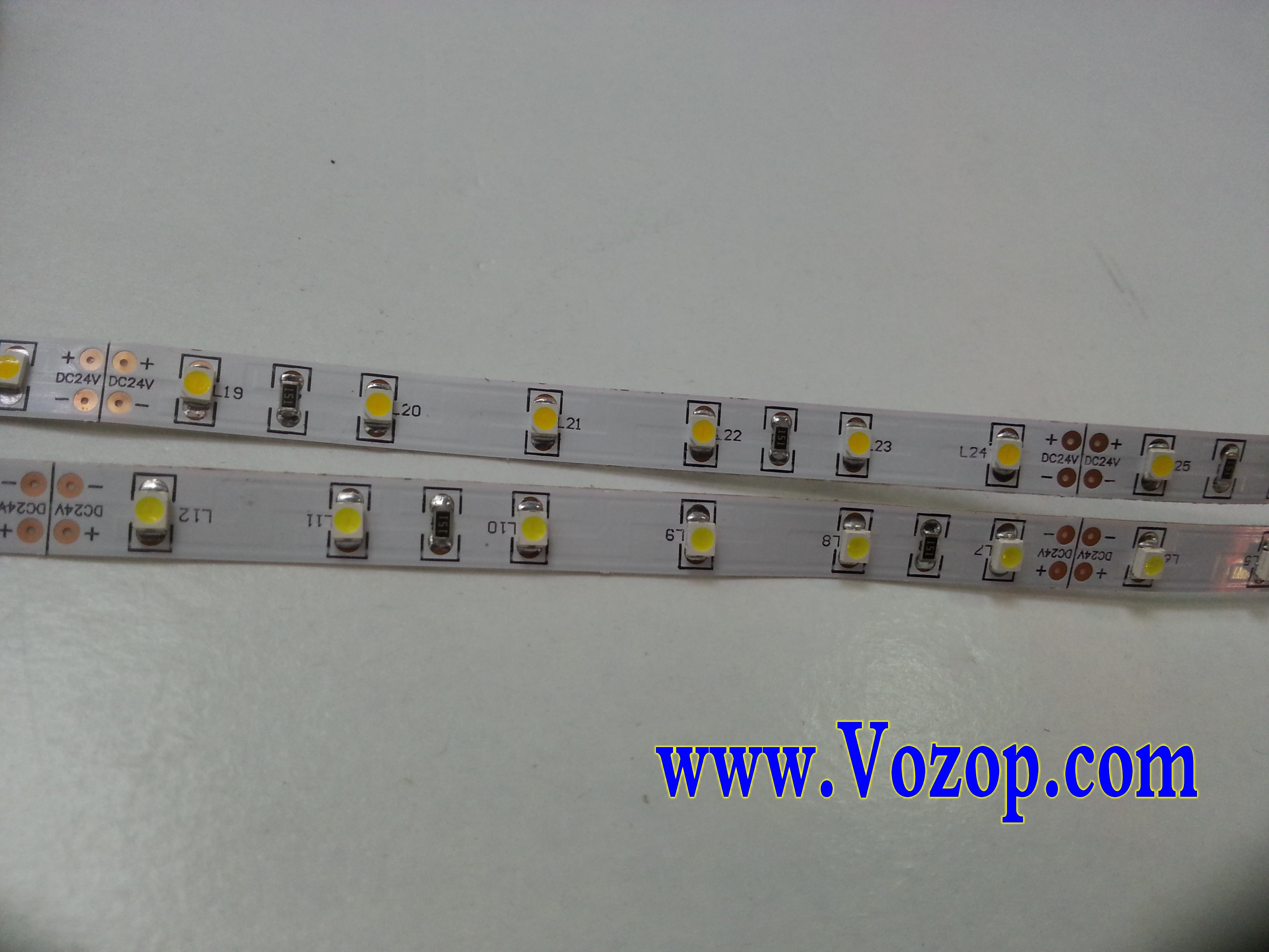 24V_3528_LED_Light_Strip_5M_300_LEDs_Lighting_Tape_light_wholesale_supplier