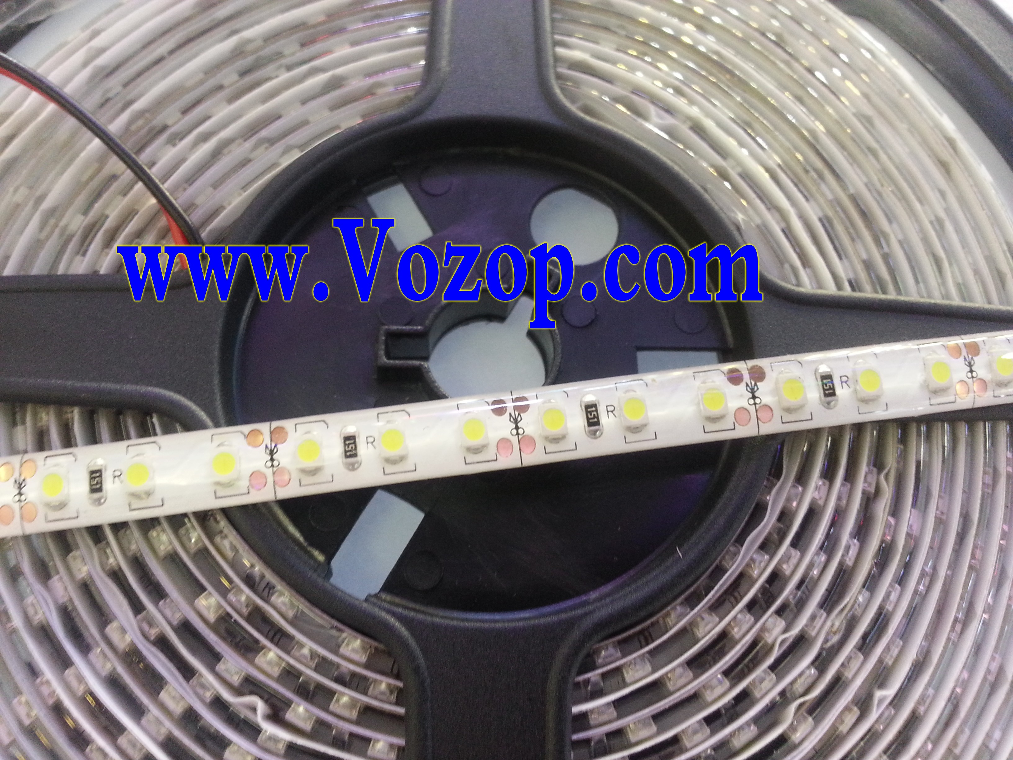 3528_LED_tape_strip_5Meters_600_LEDs_SMD_Waterproof_Light_Strip