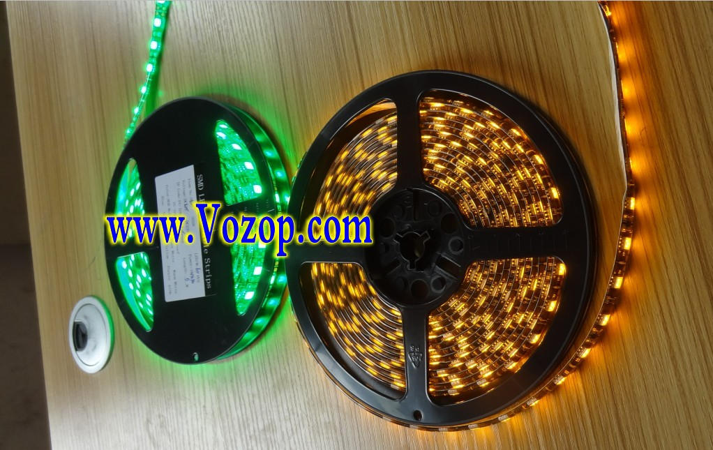 5050_Black_PCB_LED_Strip_5M_300_LEDs_Waterproof_Ribbon