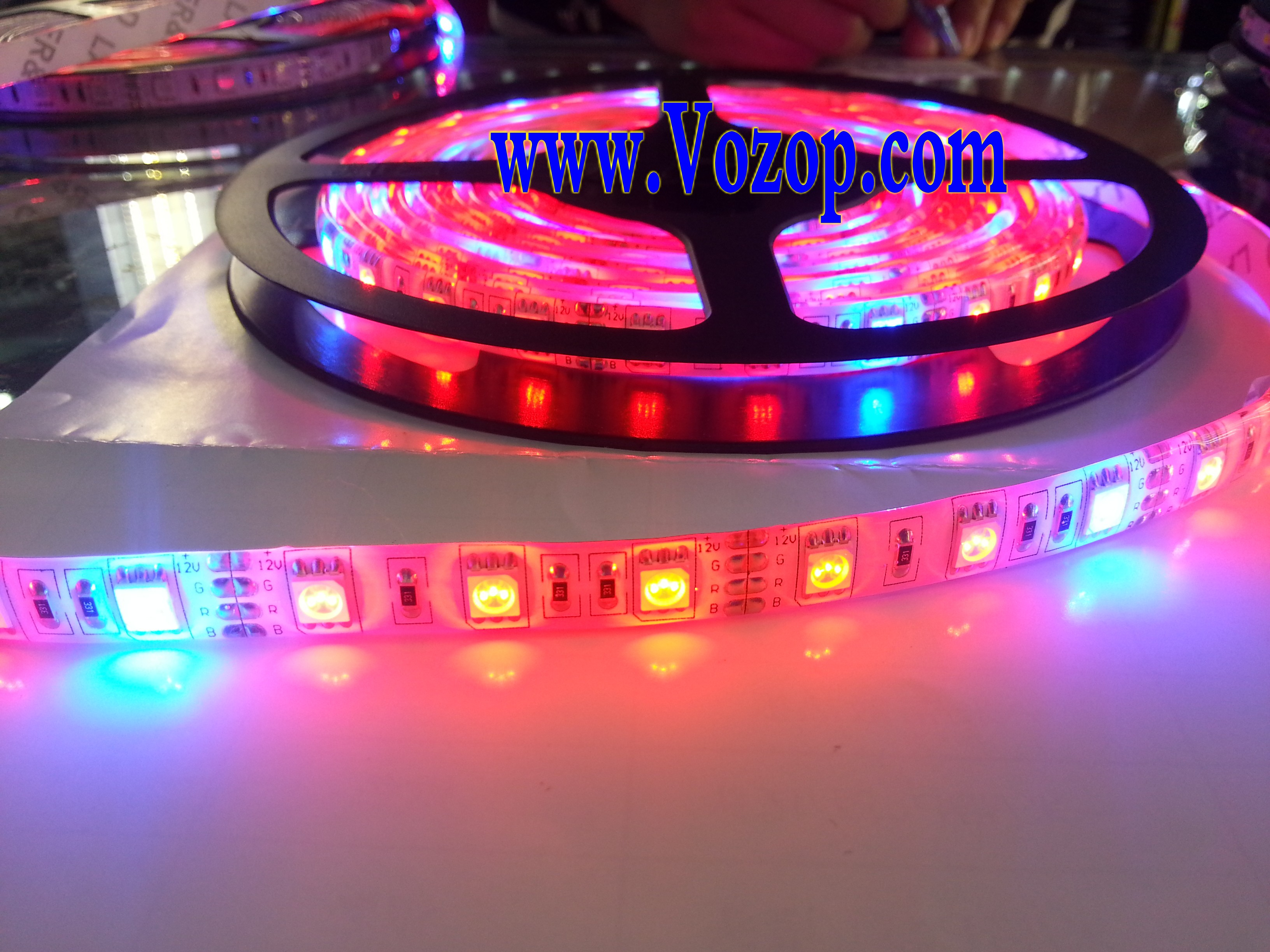 5M_300LEDs_Plant_Growing_Led_Strip_Red_Blue_Grow_Plants_Light