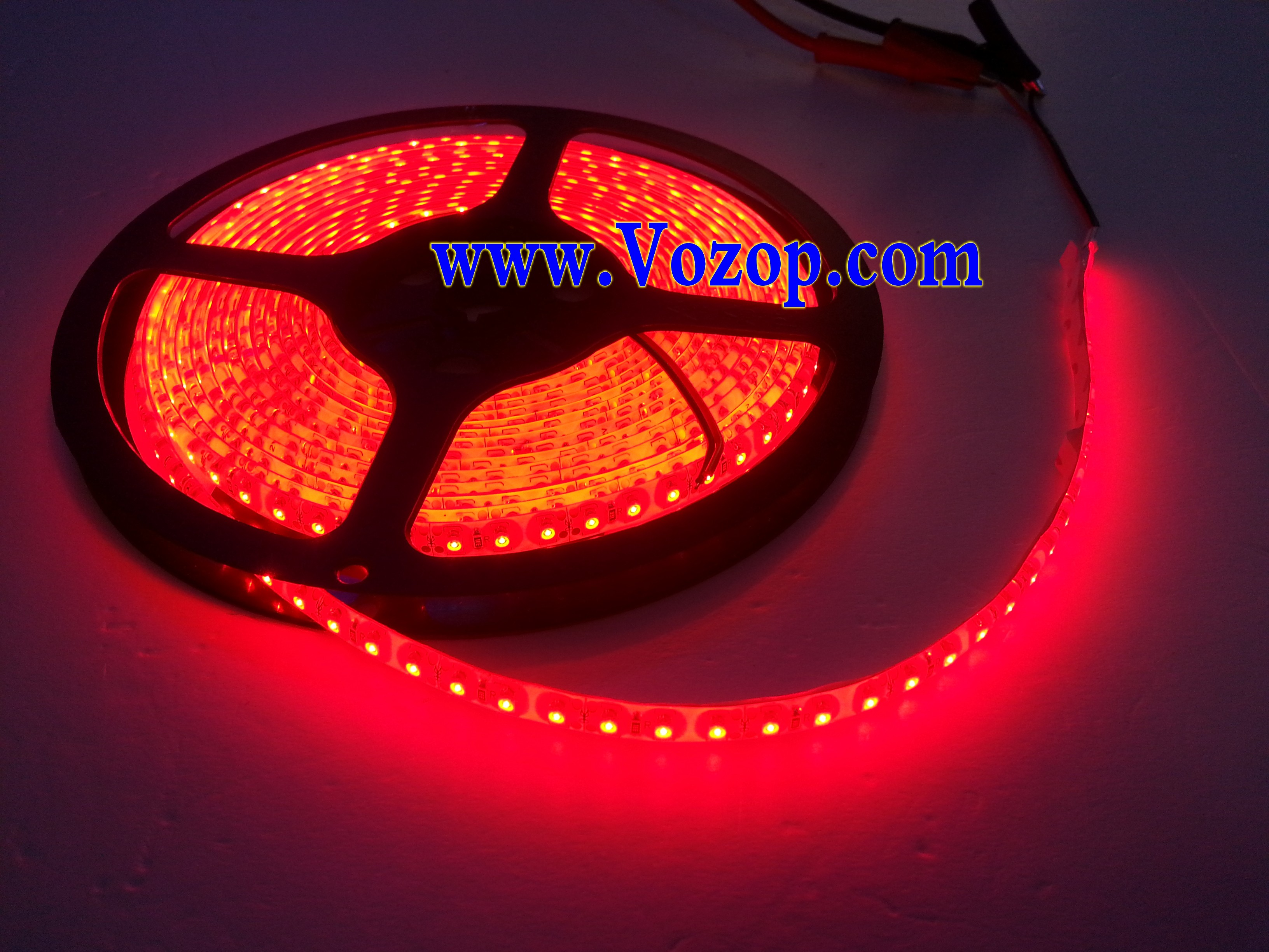5M_600_LEDs_SMD_3528_Waterproof_IP65_Red_tape_Strip_Light