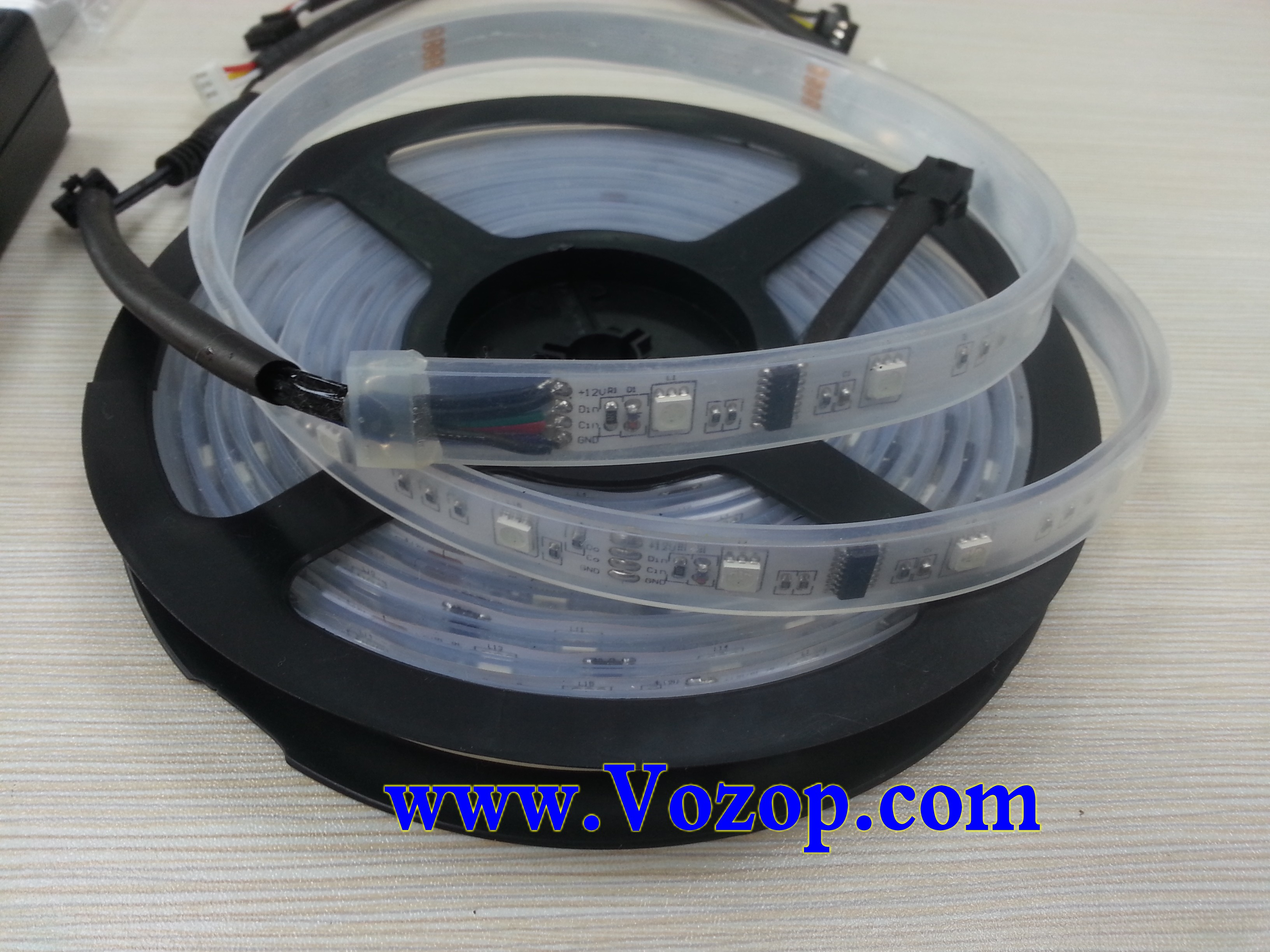 6803_IC_digital_RGB_LED_strip_light_with_Remote_RF_Controller