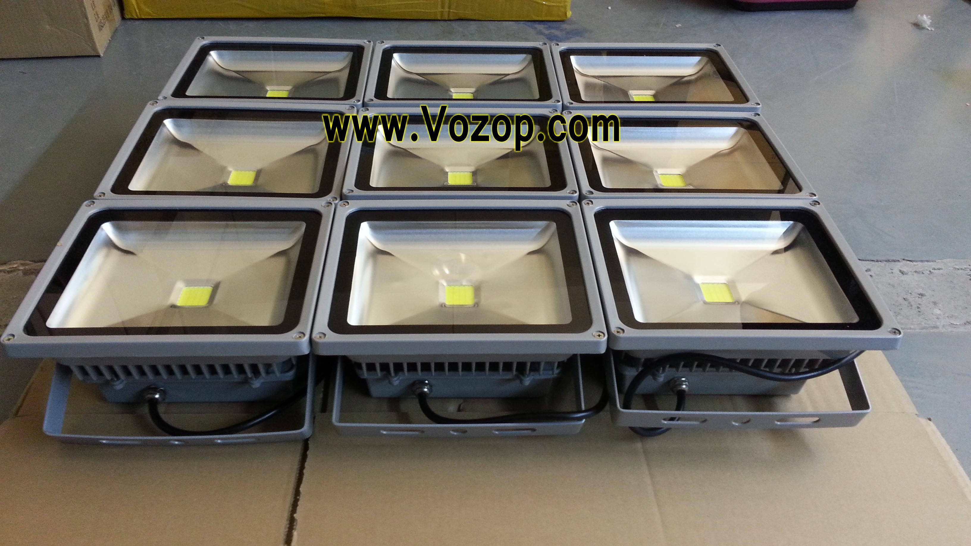 Pure_white_warm_white_30W_LED_Floodlights_Factory_price_wholesale_50W_LED_flood_light