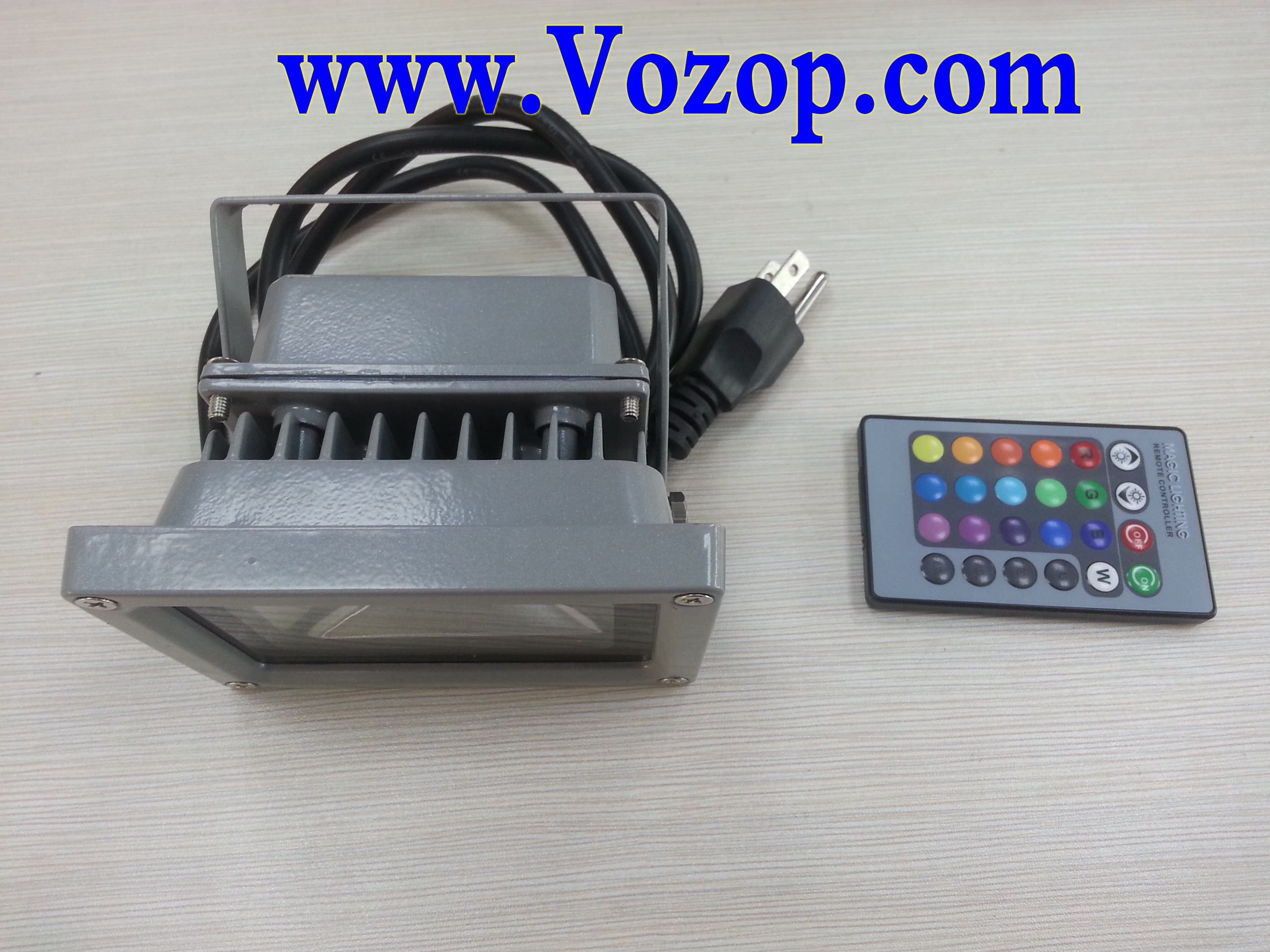 RGB_floodlight_10W_with_Remote_controller_Waterproof_LED_Outdoor_Flood_Lights