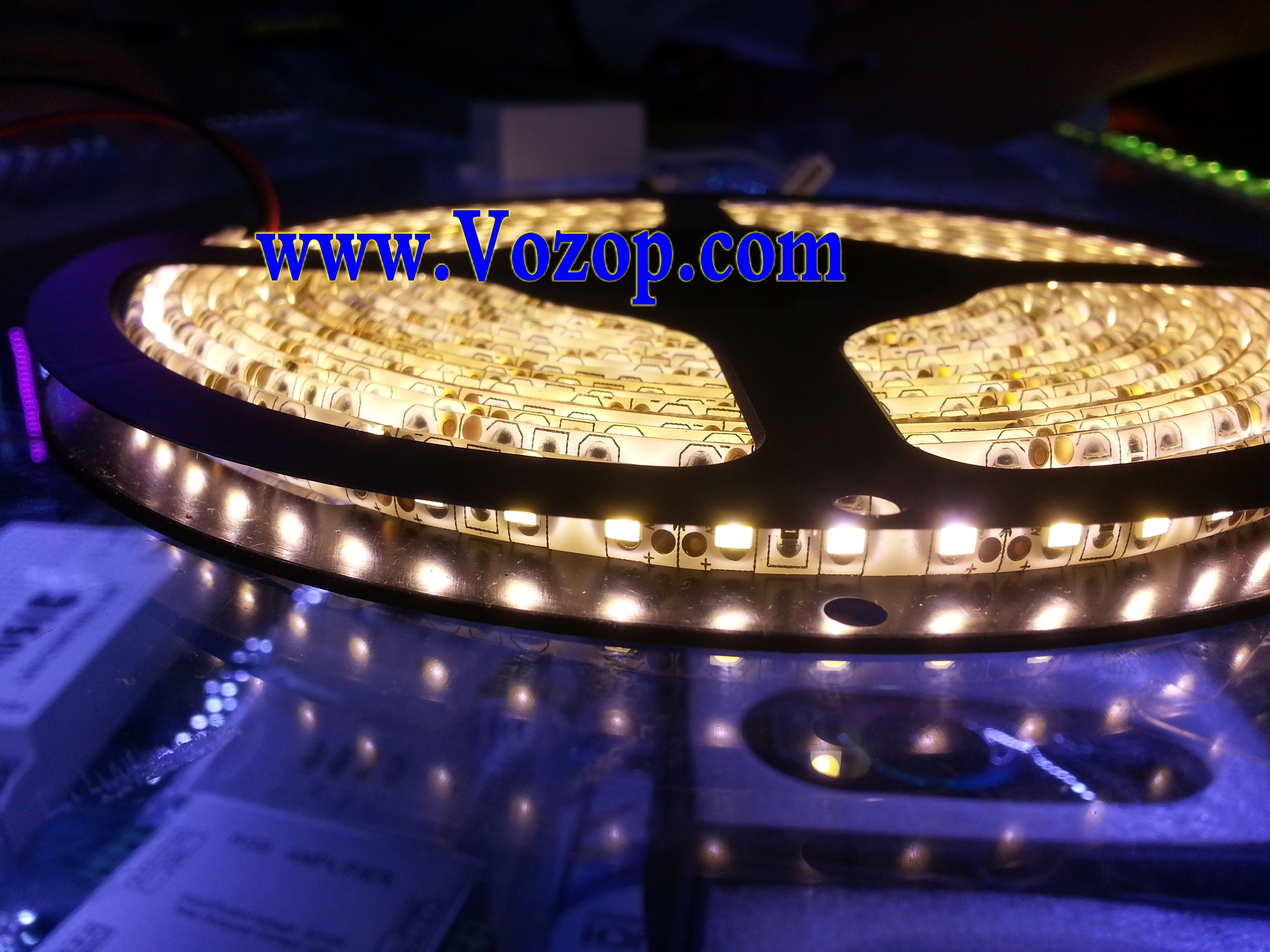 SMD_3528_LED_5M_600_LEDs_120leds_per_meter_strip_lights