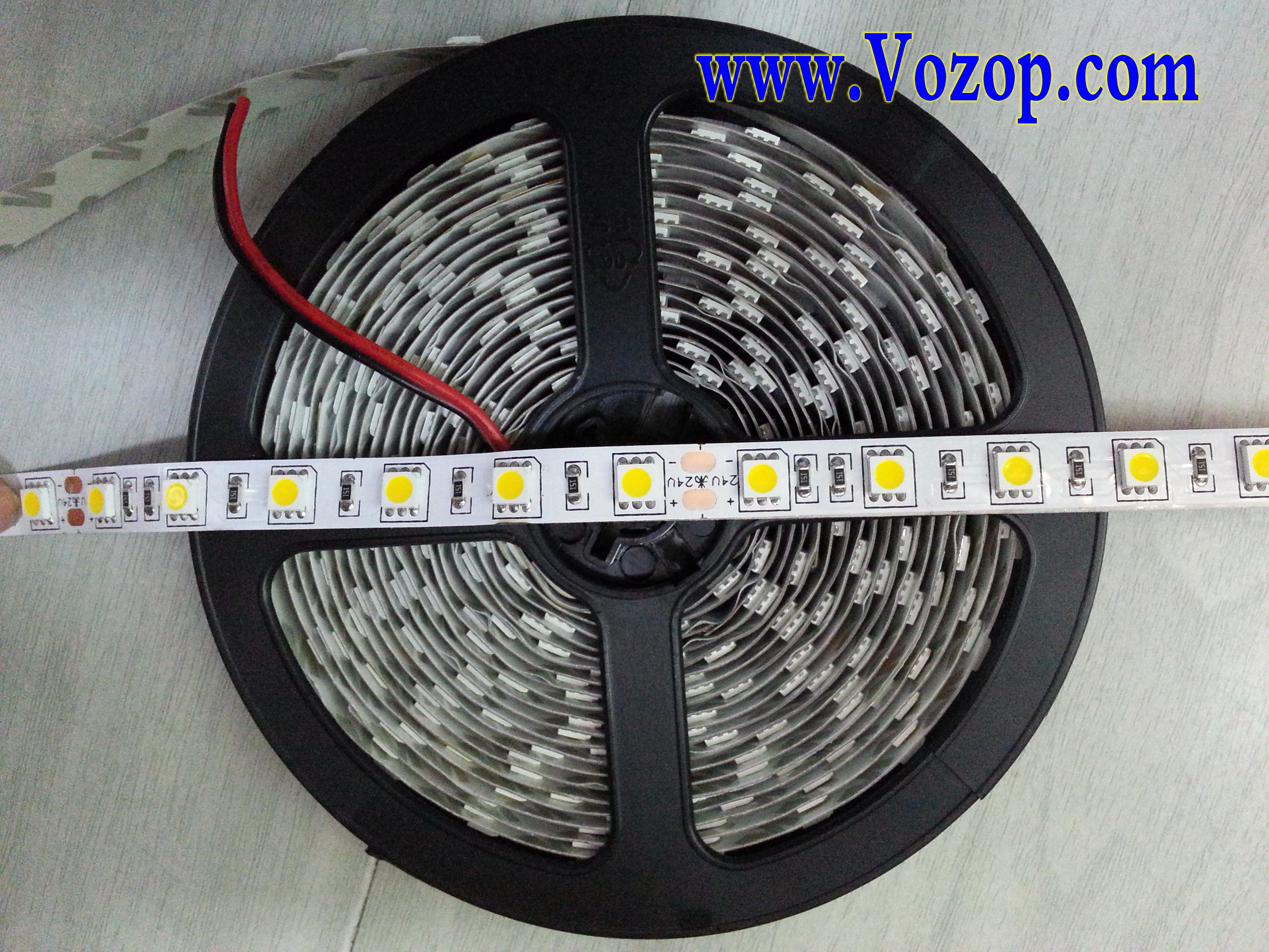 Ultra_Bright_Warm_White_5050_LED_Tape_Strip_Ribbon_Light_factory_supplier