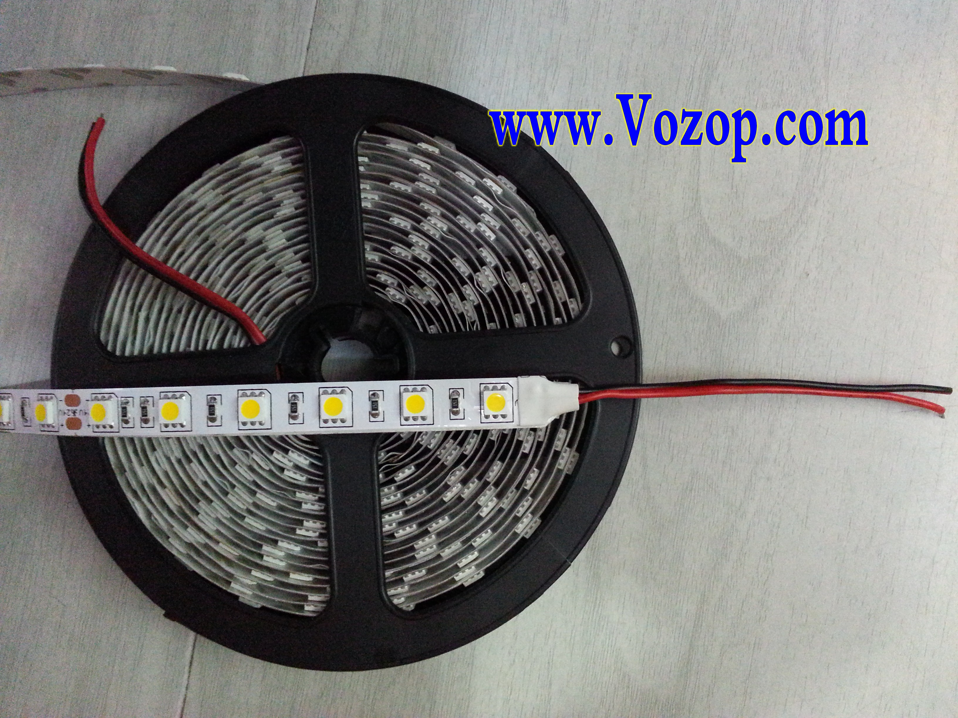 Ultra_Bright_Warm_White_5050_LED_Tape_Strip_Ribbon_Light_factory_suppliers