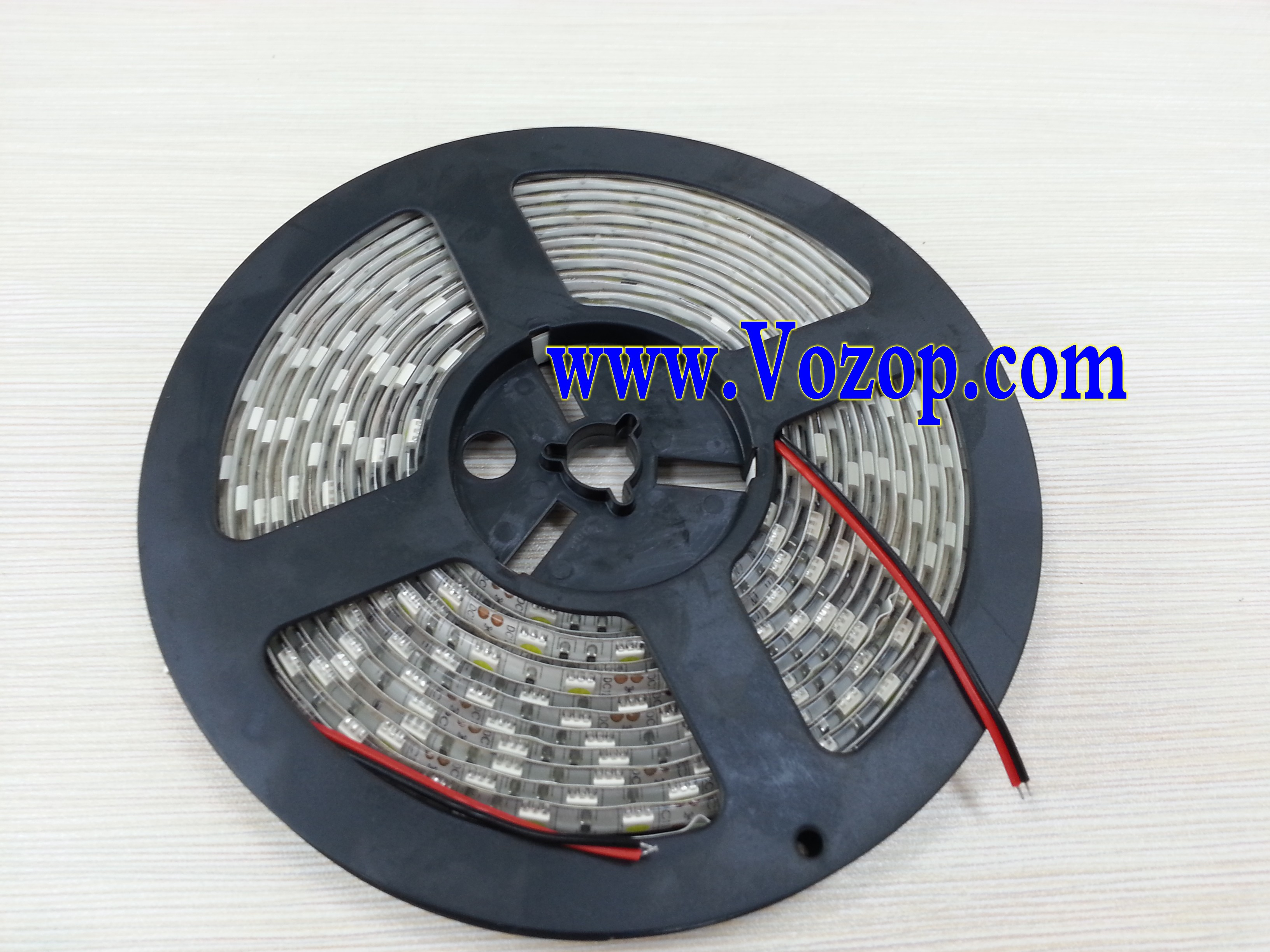 Usa_5050_SMD_LED_Tape_strip_lights_ribbon