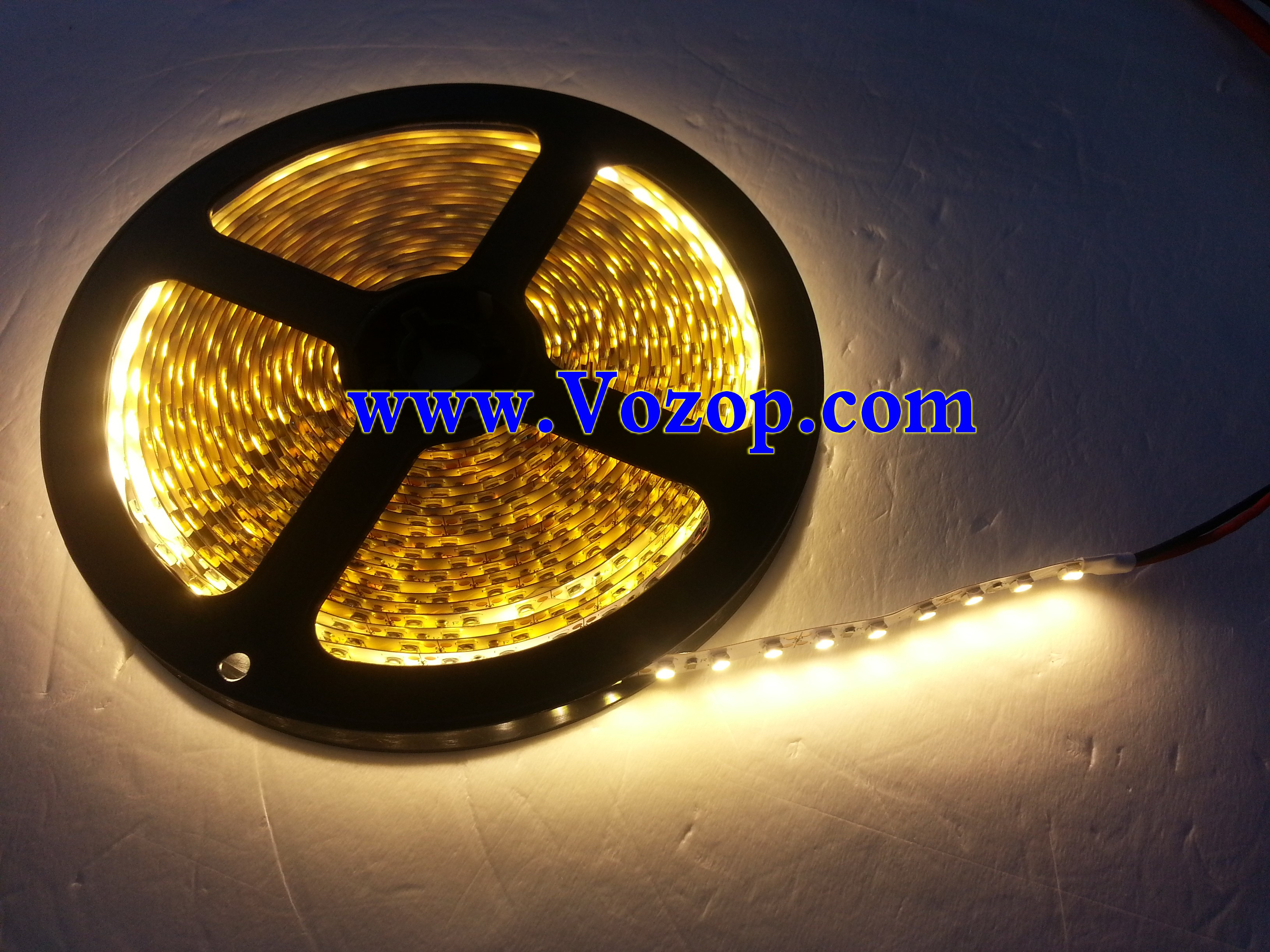 Warm_White_3528_600LEDs_Strip_Light_Non_Waterproof_tape