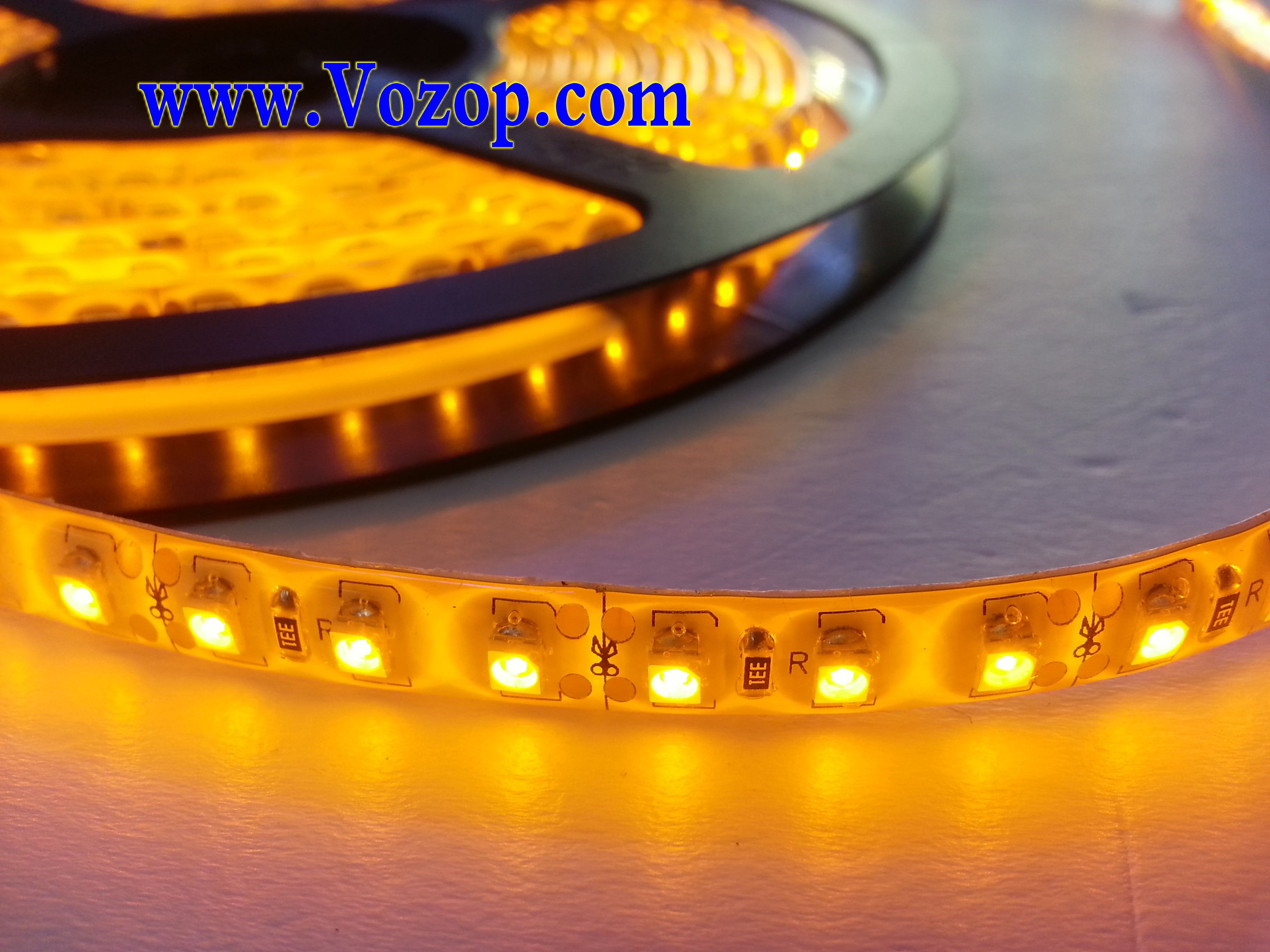 Yellow_3528_LED_Ribbon_Strip_Light_120LED_per_Meter_Waterproof_With_3M_Tape_on_the_back