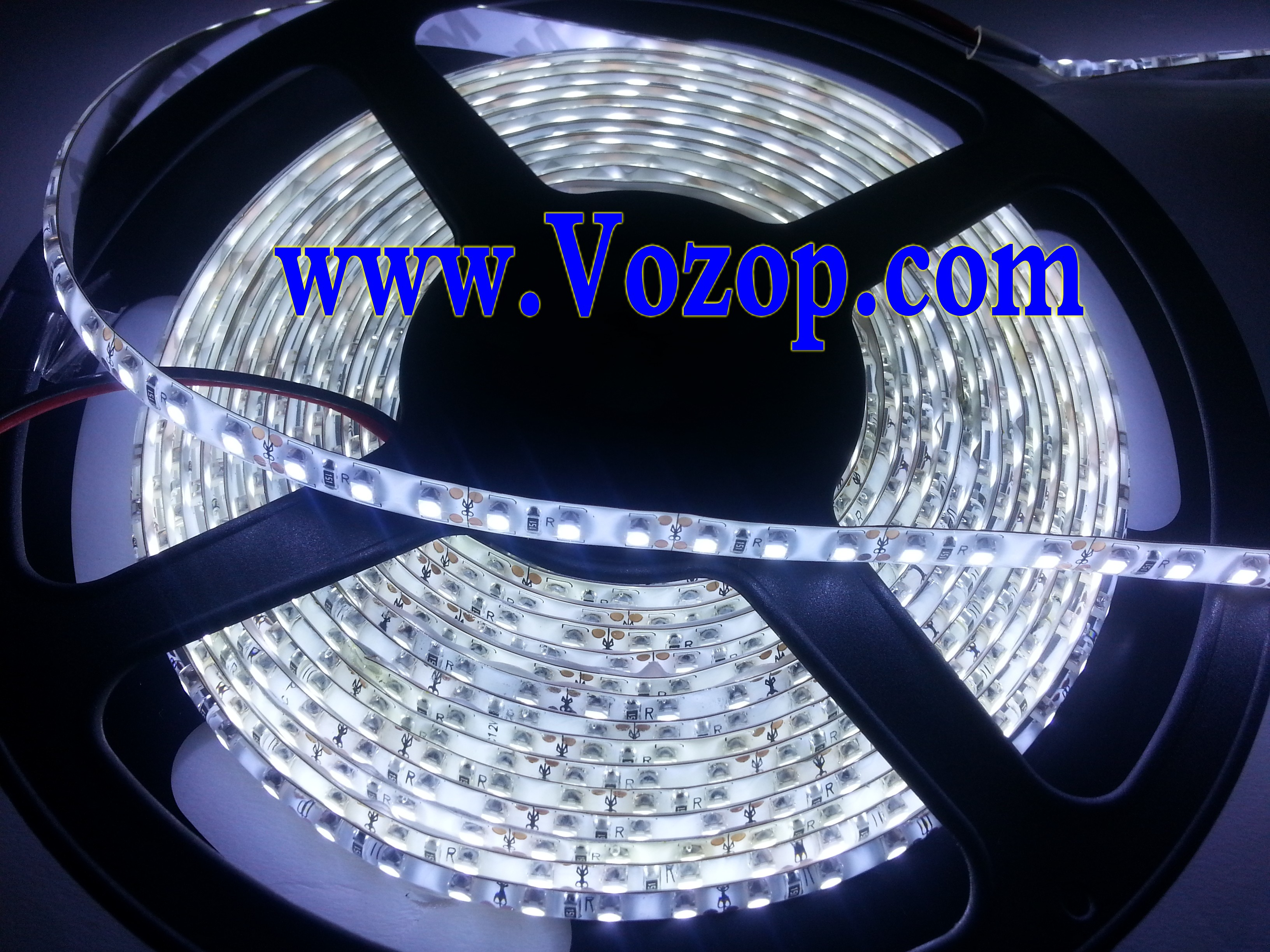 white_3528_LED_tape_strip_5Meters_600_LEDs_SMD_Waterproof_Light_Strip